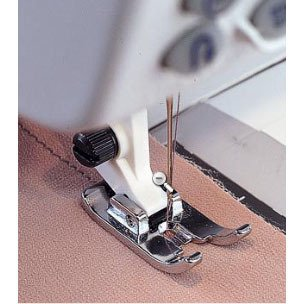 Straight Stitch Foot, Viking, White #4118535-45