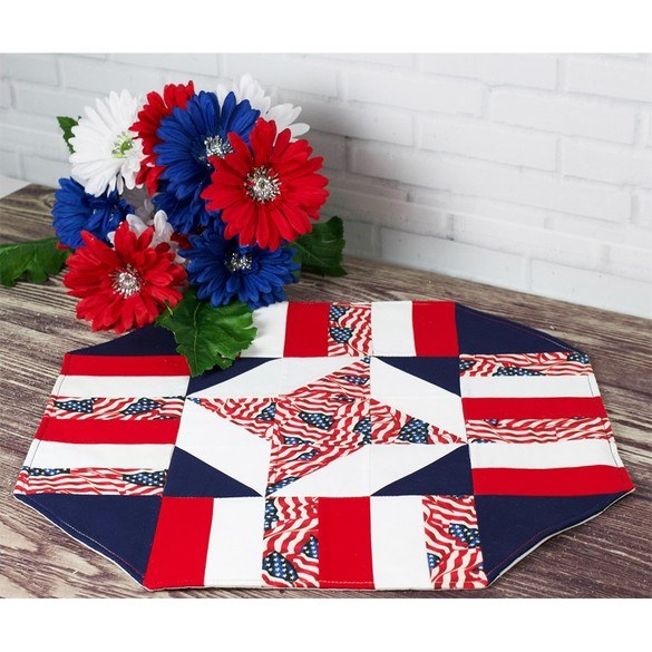 Cut Loose Press, Patriotic Table Topper Pattern